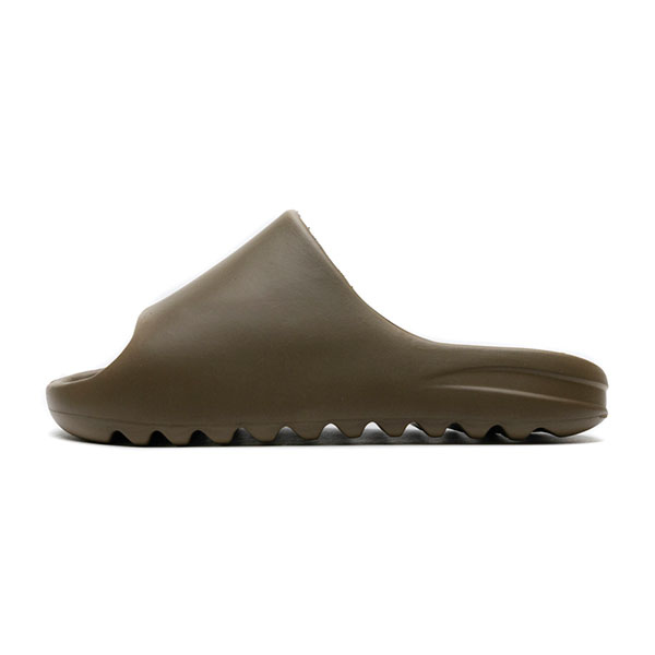 Fashion Designer Shoes Yezzy Slides Earth Brown On Feet For Men And Women