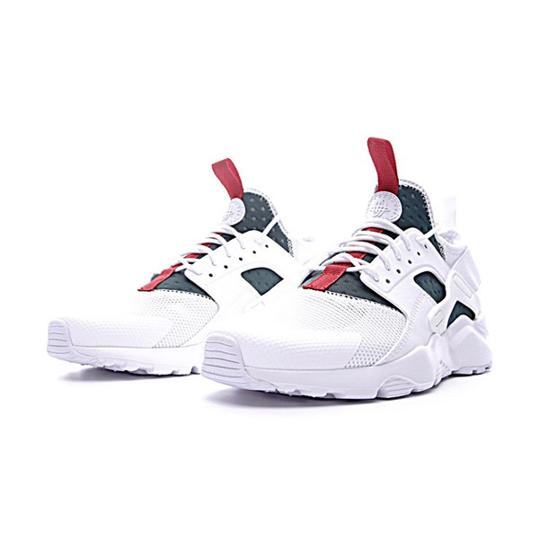 uk availability 26f78 29473 Gucci x Nike Air Huarache Ultra Flyknit ID retro running shoes white green