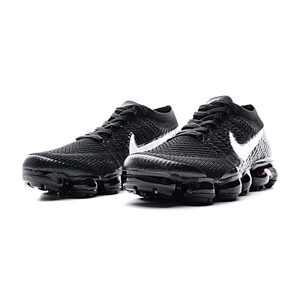 2017 nike air vapormax flyknit shoes women and men sneakers black white